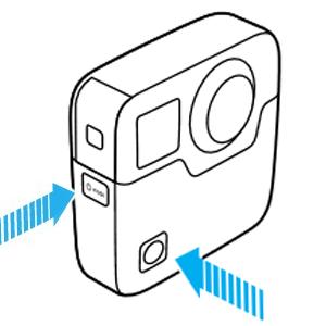 La GoPro Fusion ha lo shutter button di fronte ed il mode button sul lato destro